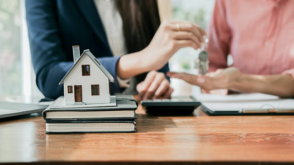 Which Homeowners Insurance Offers The Best Coverage And Rates?
